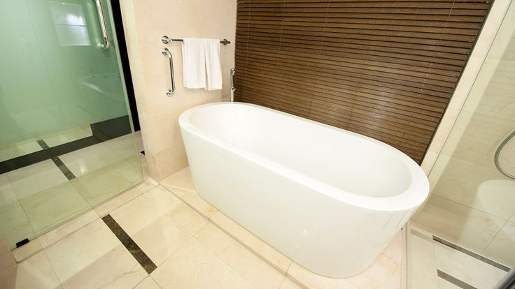 Refresh your bathroom with a new bath tub - Mitre 10