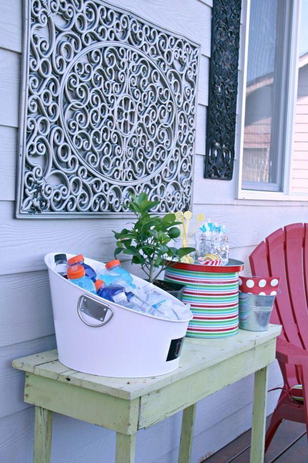 spray paint a rubber door mat silver for outdoor wall art