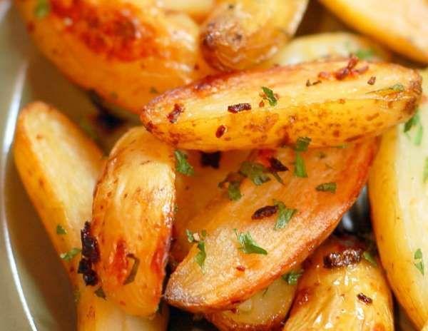 <p> *Receita do Vigilantes do Peso </p> <p>Ingredientes<br> 2 batatas grandes com casca <br> 1 colhe... - Divulgação