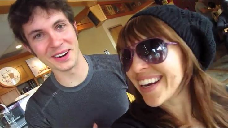 Toby Turner dating net worth tattoos smoking & body facts - Taddlr