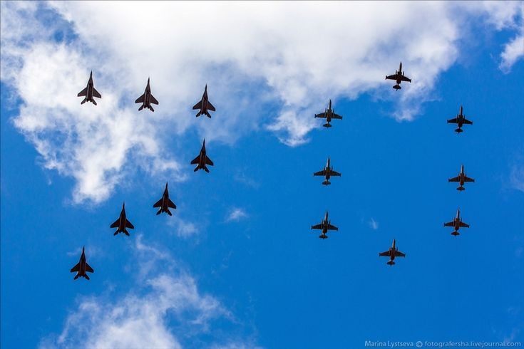 Rehearsal of the parade dedicated to the victory in WWII in the Moscow sky.