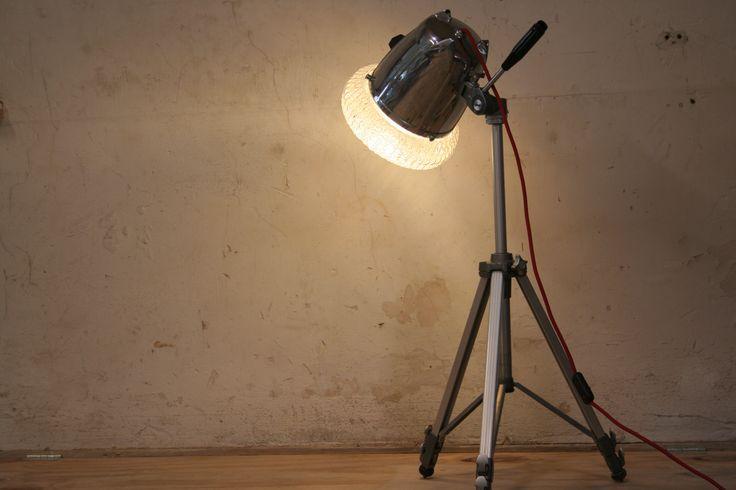 """Stativlampe """"Rotor"""" aus einem Mixersockel und einem alten Badlampenschirm. #upcycling #DIY"""