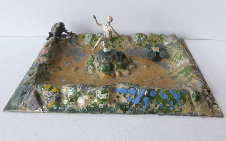 BRITAINS PRE-WAR PAINTED LEAD GARDEN No067 LILY POND WITH NYMPH-FROG+WATER LILY