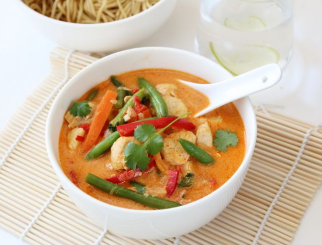 THAISUPPE MED KYLLING OG RED CURRY - TRINEs MATBLOGG