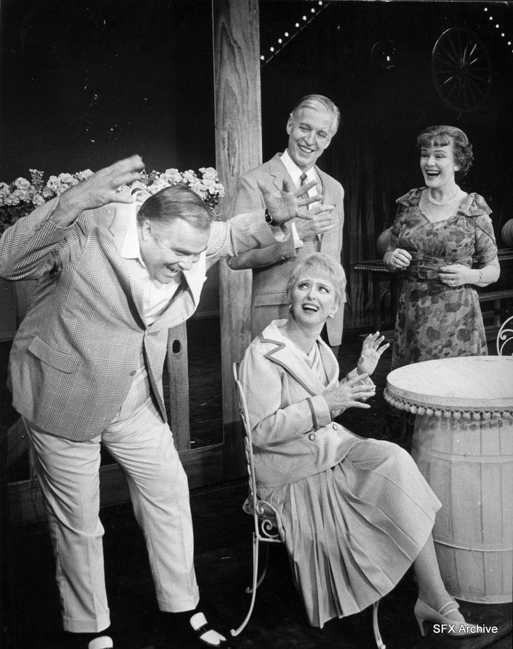 Mame visits Upson Downs.  (left to right: David Huddleston, Celeste Holm, Wesley Addy, Louise Kirtland)