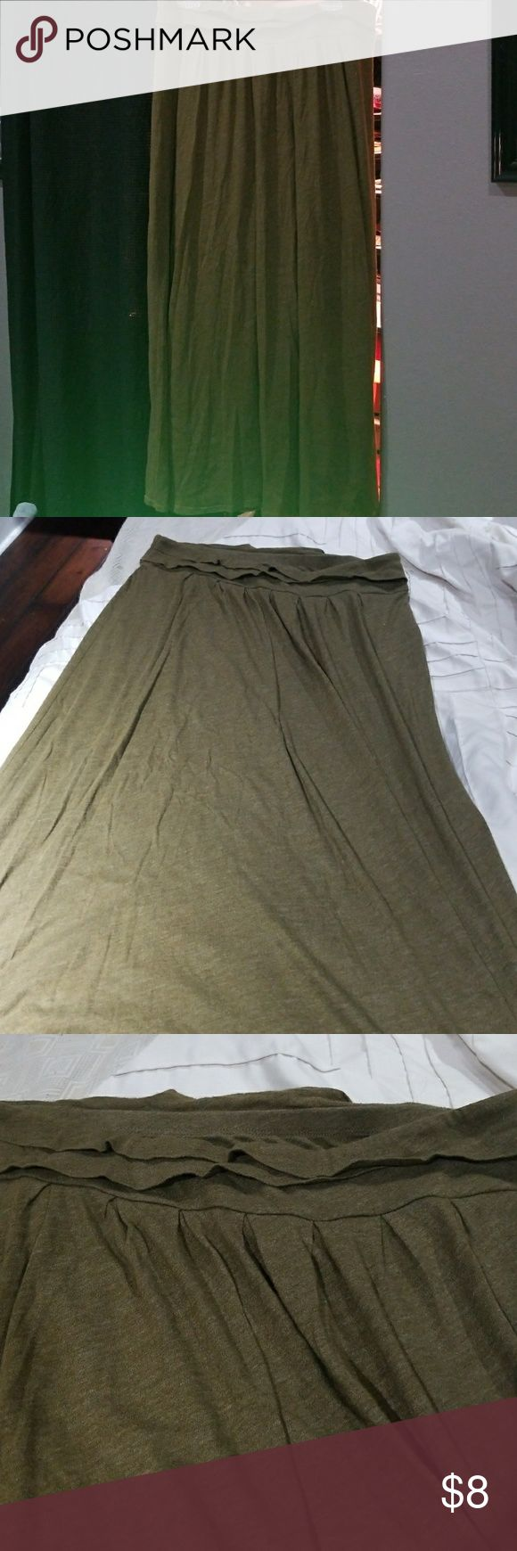 Old navy maxi skirt Olive green maxi skirt with lining inside great condition Skirts Maxi