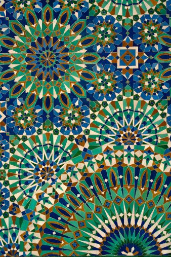 Zellige This framework of expression arose from the need of Islamic artists to create spatial decorations that avoided depictions of living things, consistent with the teachings of Islamic law.