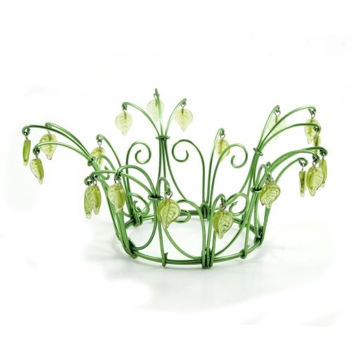 Spring green crown, inspired by birch trees by Kronbruden in Sweden. English site  www.thecrownbride.com.