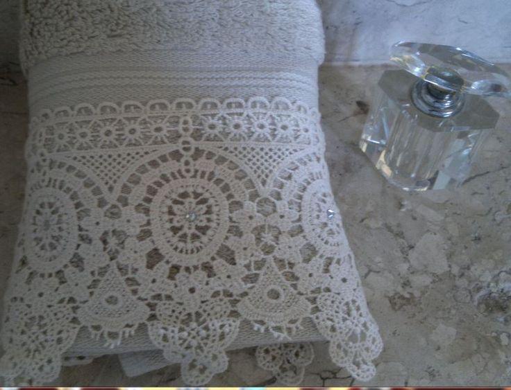 toalha para lavabo em algodão egípcio 30cm x 50cm Renda com Strass