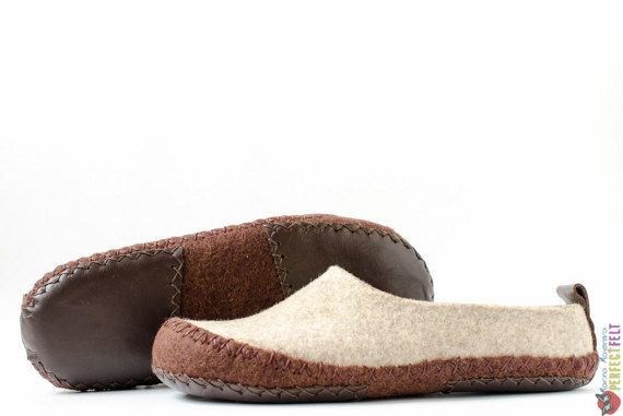 Organic wool felted slippers Hunter - Unisex slippers - handmade felt wool house…