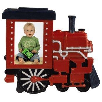 Hama. Rámeček Lokomotiva, 5,5x7,5 cm, červený. - dětský portrétový rámeček ve tvaru lokomotivy - pro fotografii formátu 5,5x7,5 cm - opěrka pro postavení na stůl, polici a pod. - sklo: reflexní - materiál: plast - barva: červená. Foto Dolejš, cena 179 Kč.