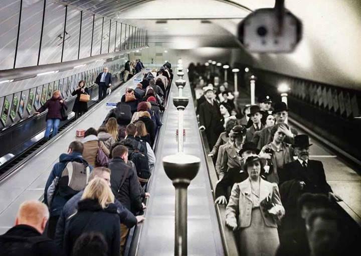 London underground then and now. Le confrontation de deux époques sur une même image, la couleur faisant office de marque du temps.