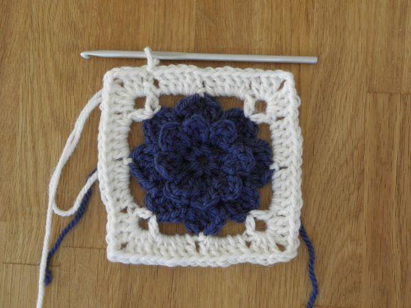 Tutorial lappeteppe med blomster #12