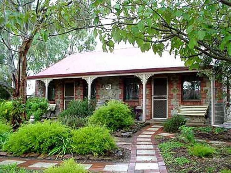 Barossa Valley Langmeil Cottages Australia, Pacific Ocean and Australia Langmeil Cottages is perfectly located for both business and leisure guests in Barossa Valley. The hotel offers a wide range of amenities and perks to ensure you have a great time. Take advantage of the hotel's Wi-Fi in public areas, car park, BBQ facilities, laundry service, bicycle rental. Designed for comfort, selected guestrooms offer television LCD/plasma screen, non smoking rooms, air conditioning, h...