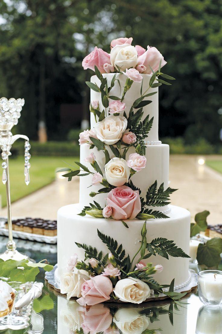 ¡Decora tu pastel con #flores naturales!  #pasteldebodas #wedding #trends #boda #bodas