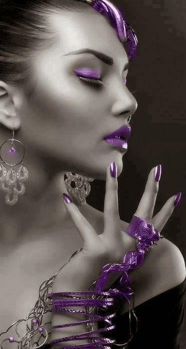 Galeria de fotos para tu blog o webpage: Black and white partial purple color effects-Negro y blanco con efectos color en morado