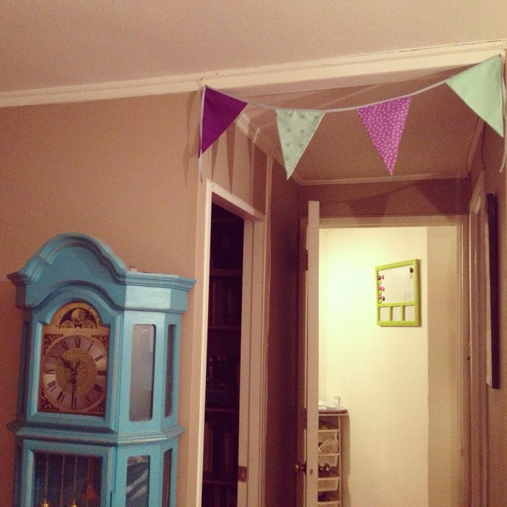 pennants house colors