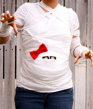 10 Last Minute Halloween Costumes for Pregnant Moms | Women on the Verge #halloween #pregnant