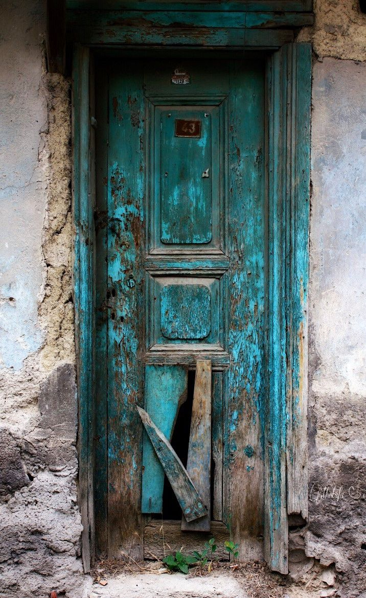 K 252 Tahya Turkey Old Wooden Door Entrance Doorway