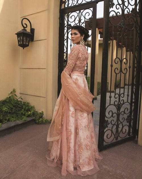 IT'S PG'LICIOUS — thegoldenboutique: Zara Shahjahan EHENGA INDIAN FASHION DESIGNER #LEHENGA