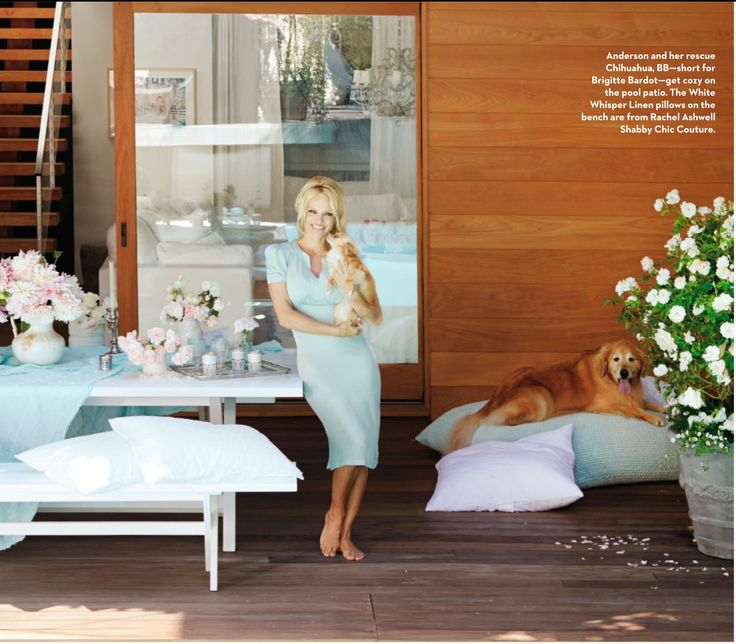 outdoor dining. malibu home. coastal living magazine. pamela anderson's home. rachel ashwell decorating. shabby chic influenced.