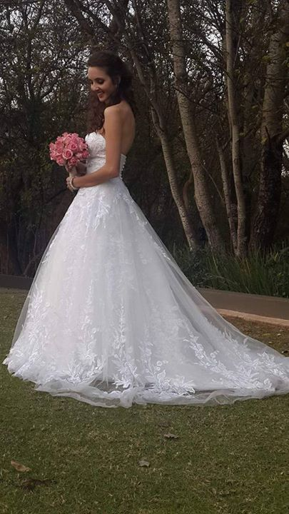 Aaahhh...how BEAUTIFUL! See more #realbrides like Marinette Strydom in their dream #wedding #dress from Bride&co.  #brideandco #weddingdresses #bride #dreamwedding