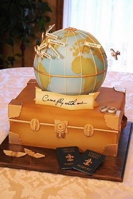 Travel-inspired wedding cake  Cake: Gateaux Inc | Brandis Alves Photography