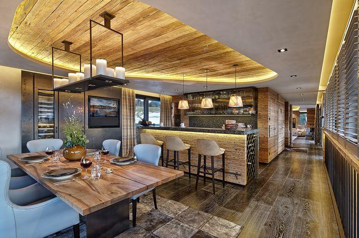 High-end Technik in erstklassiger Ausführung zeichnet diese offene #Küche im #Alpen-Style aus.