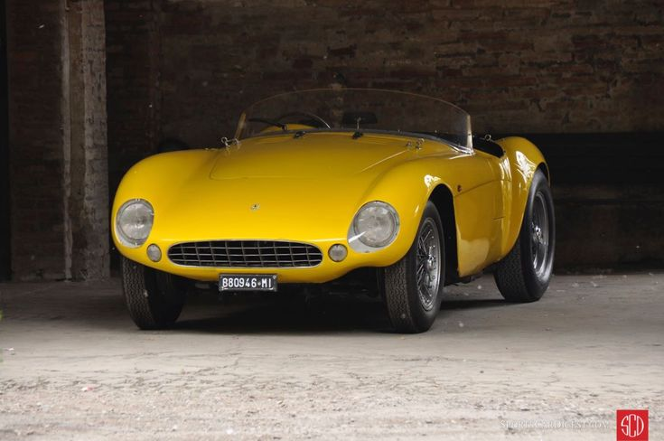 Profile and photo gallery from the Mario Righini Collection, one of the more exceptional private car collections in Italy, if not the world.
