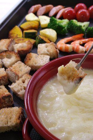 ホットプレートでチーズフォンデュ レシピ   タカキベーカリー