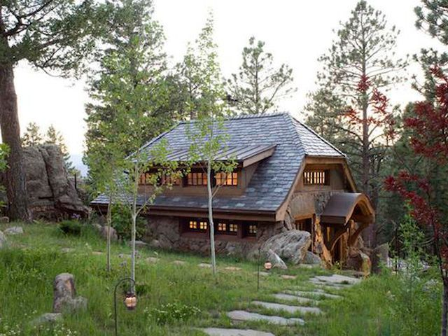 49 best constructing with stone images on pinterest for Homes in the mountains