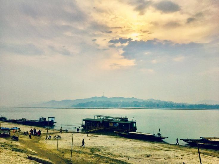 A typical morning at the Brahmaputra river! The ferry takes you across to Guwahati  #instatravel #awesomeassam #incredibleindia #india #traveling #Incredibleindian #instagood #mornings #morning #sun #sunrise #cloudporn #sky #boat #ferry #river #water #morningrun #morningwalk #morningsky #morningsun #skylovers #sunrays #sunriselovers #hills #hill #riverside #rivers #l4l #f4f