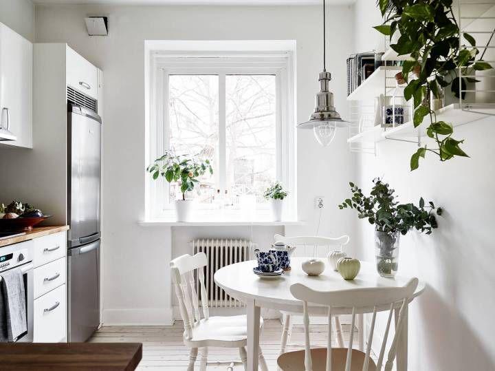 Post: Armarios rinconera --> aprovechar espacio deco, armarios ikea, Armarios rinconera, armarios roperos, blog decoracion interiores, modulos armarios, soluciones almacenaje, billy, blanco, cocina nórdica,string,sillas y mesa comedor blancas