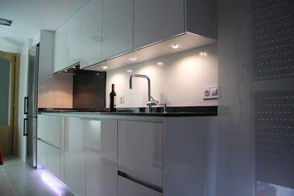 78 best images about iluminaci n en la cocina on pinterest - Iluminacion led en cocinas ...