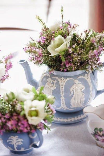 Arreglos florales en tazas inspiraci n rom ntica para tu - Adornos florales para casa ...