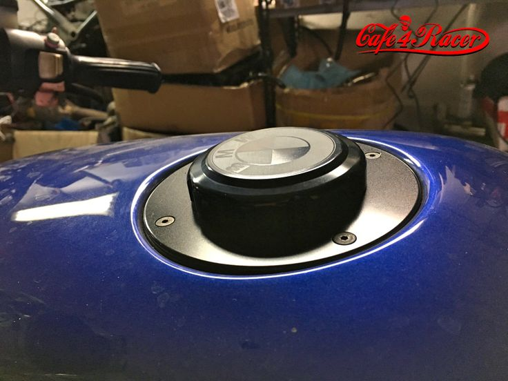 BMW K75/100/1100 Fuel Tank Gas Cap Black with Black Logo  + LOCK !
