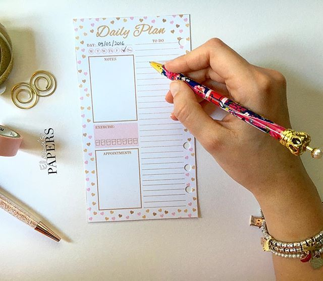 What is your daily plan today? Look at my etsy shop! #planner #dividers #filofax #filofaxaddict #kikkiklover #plannergirls #planneraddict #filofaxaddict #filofaxlove #filofaxing #plannerfilofax #kikkik #dashboard #etsyshop #lifeinplanner #cartopazze #agenda #plannernerd #plannergeek #happyplanner #plannerlife #plannerlust #plannerworld #plannermania #planningcommunity #elenaspapers #daily #dailyplanner #dailyplan