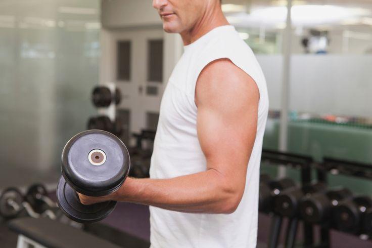 Styrketräning är effektivast mot bukfetma, visar forskning. Det farliga bukfettet är främst ett problem för män över 40.