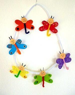 bastelsachen/basteln-Schmetterlinge-mit-Pfeifenputzer