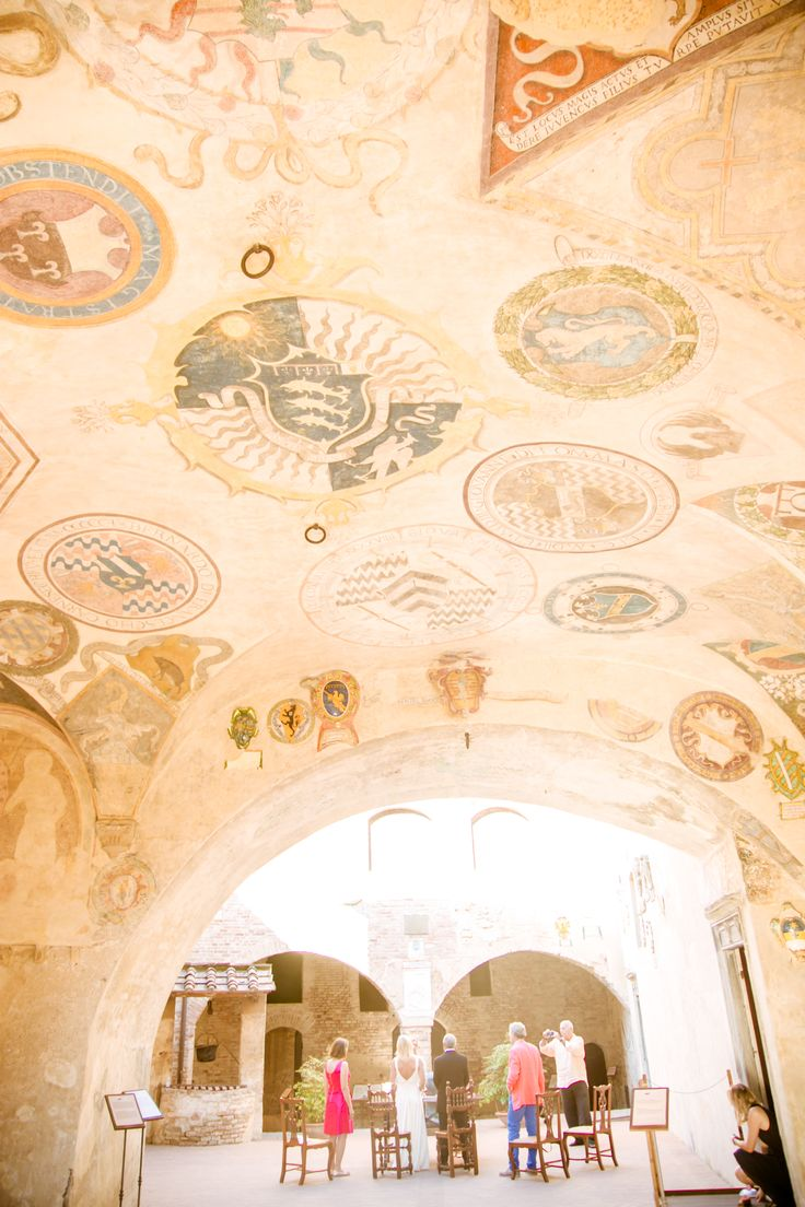 The beautiful ceiling of the place where the ceremony has been celebrated.