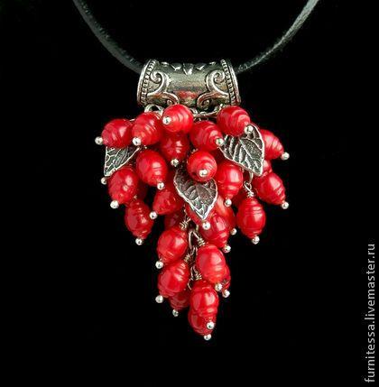 """Подвес """"Коралловая гроздь"""" - ярко-красный,натуральный коралл,подвеска"""