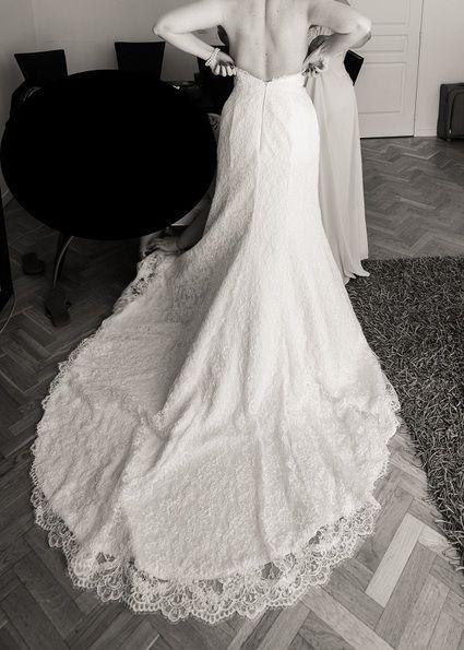 Robe de mariée Demetrios modèle 1443, bustier en forme de coeur et dos nu