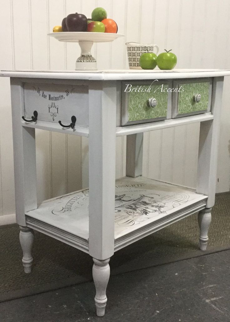 Cottage kitchen island artistically refurbished by Cheryl Anderson of British Accents 🇬🇧