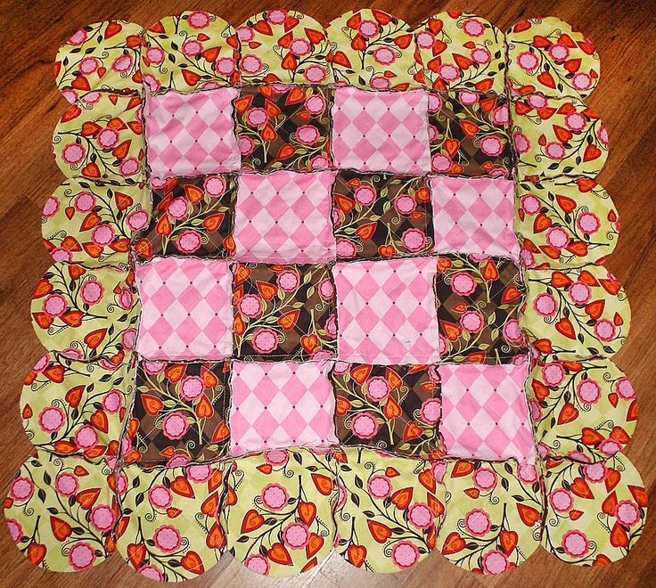 Twisted Rag Quilt Pattern Free : Stylish Baby Nursery: Scalloped Rag Quilt Sew Pinterest Quilt, Babies and Beds