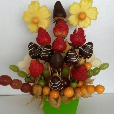 150 best images about centros de mesa con frutas on pinterest for Centros de mesa con pinas