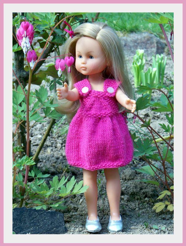 """Robe salopette pour """"Chéries"""" de Corolle, ou pour poupée de 33 cm. - http://augredutemps.canalblog.com/archives/2011/04/17/20923457.html"""