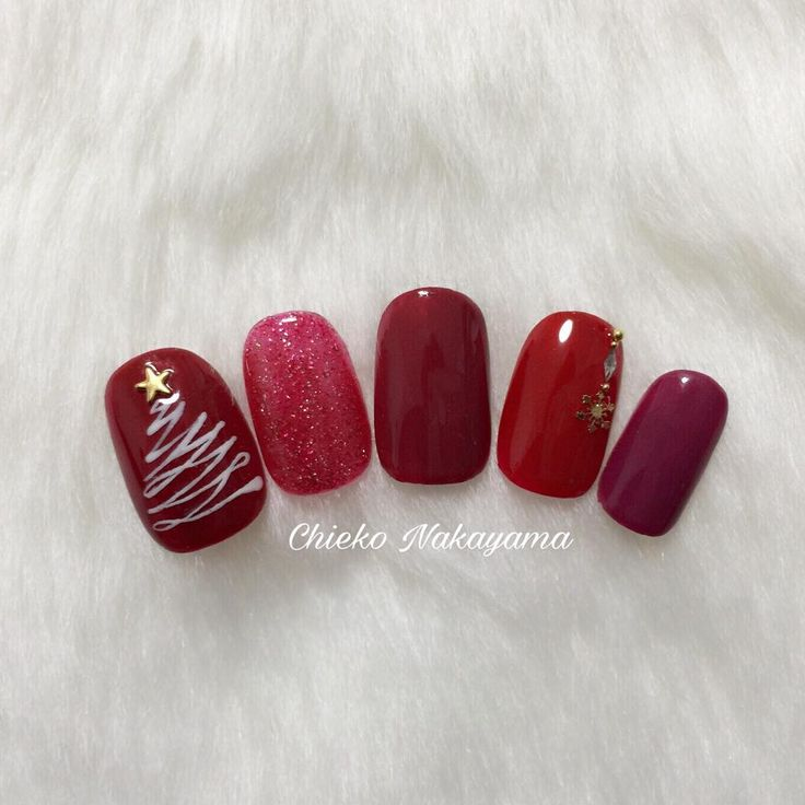 Burgandy/Red festive (christmas) nails