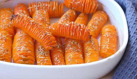 Hasselback gulerødder er et farverigt indslag på bordet. Nemme at lave og smager dejligt.