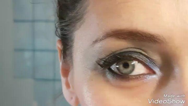 ¿Como desmaquilla el nuevo producto de @loreal_es? Aquí tenéis la prueba. El Bálsamo desmaquillante #Floresdelicadas de #loreal tiene luces y sombras y os las cuento todas aquí ��Bdebelleza.com �� . #base #beautiful #beauty #concealer #cosmetic #cosmetics #crease #eyebrows #eyeliner #eyes #eyeshadow #fashion #foundation #glitter #instamakeup #lash #lashes #makeup #mascara #palettes #powder #primers #tar #blogger #fashionblogger #beautyblogers…