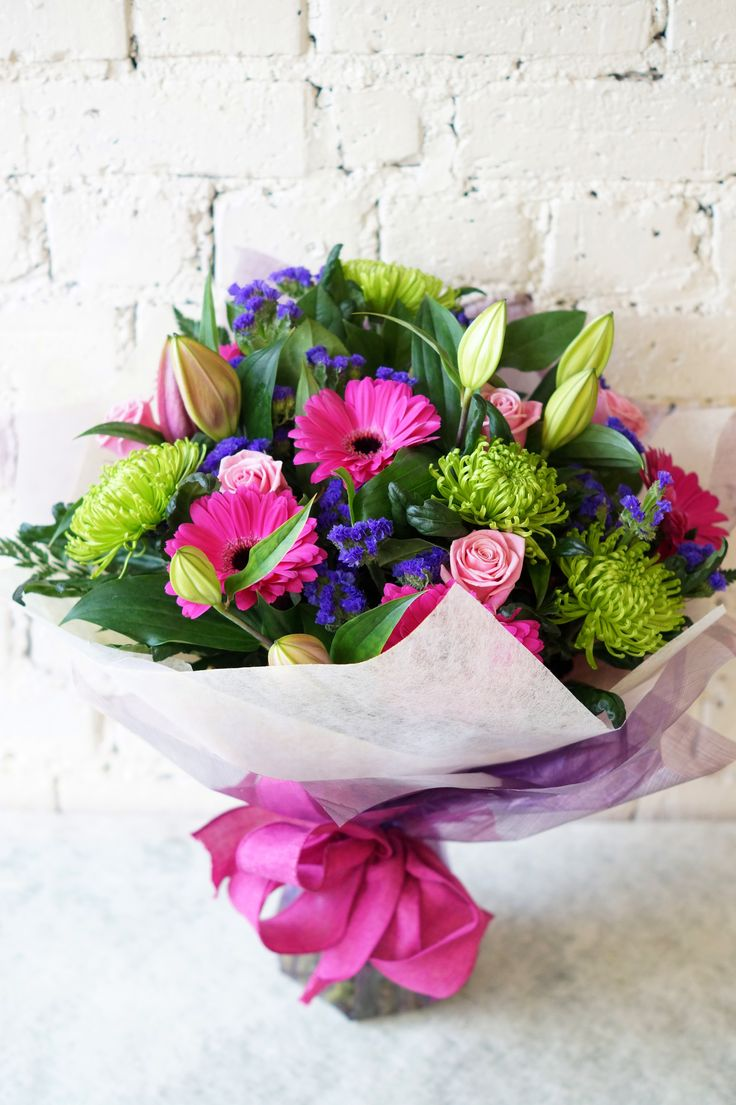 Mother's Day is coming and what better way to thank your mum and show her how much she's appreciated and loved, than to send her a lovely hand-tied bouquet from Reids Florists! #reidsflorists #mothersday